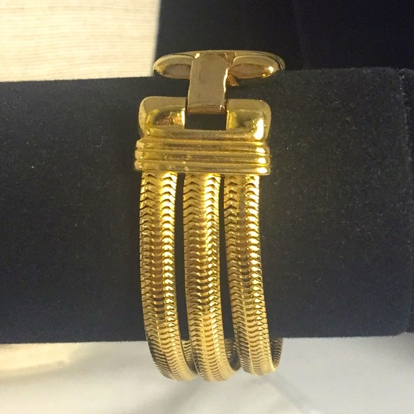 Monet bracelet gold tone 3 strands of serpentine
